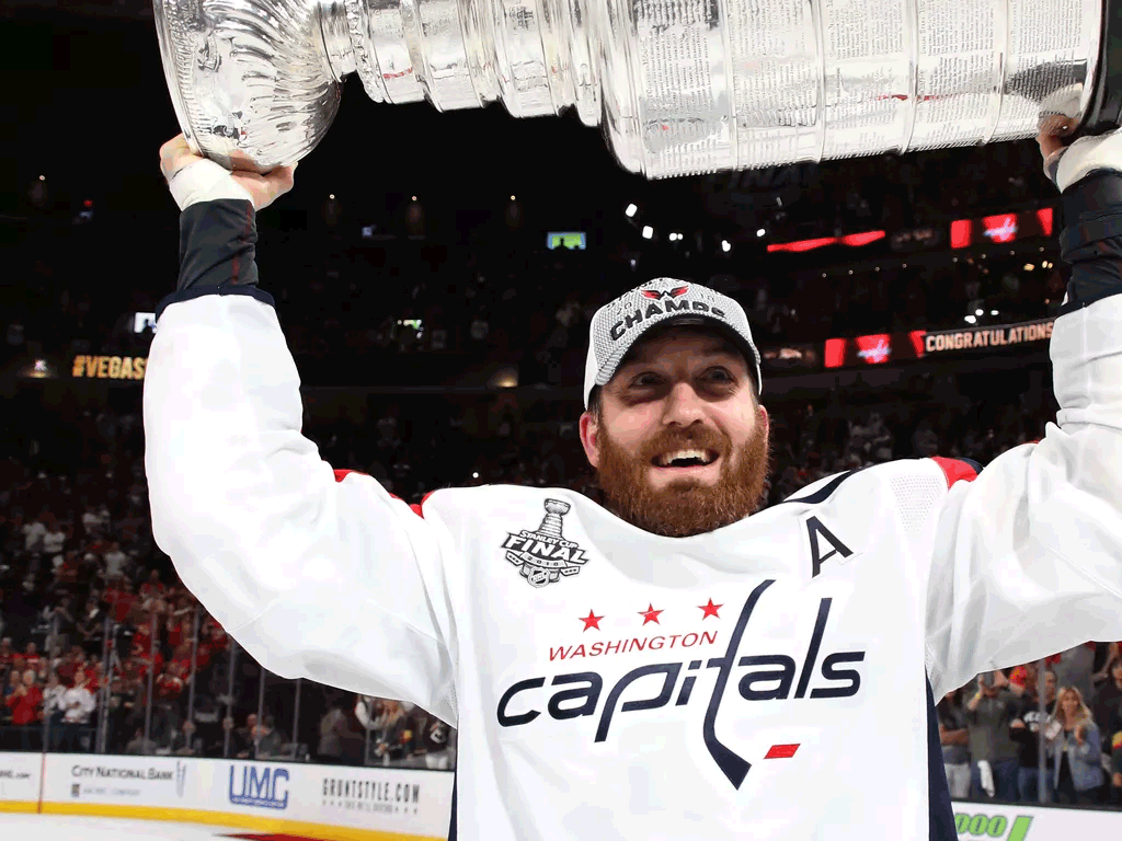 brooks-orpik-re-signs-capitals-hold-stanley-cup